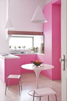 Yes! a pink kitchen!