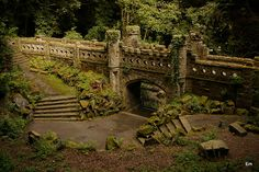 Castle Entry, Huddersfield, England photo via sam