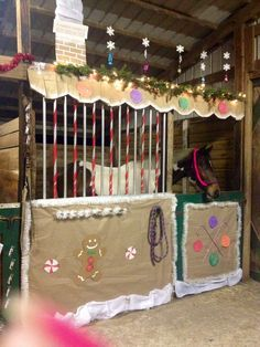 Pinner said My horseu0027s Christmas stall for stall decorating contest at our barn Christmas party. We got second place this year. & 9 best horse stall decoration ideas images on Pinterest | Horse ...