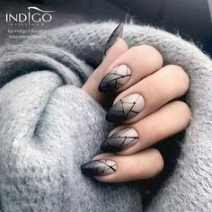 I'd like to try this look on a squoval nail shape, and only the ring finger having the black, connecting lines