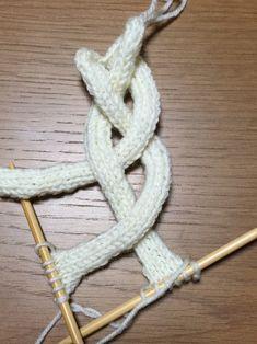 例えば、三つ編みのカチューシャの編み方は~ | 初心者でも編める!横浜:ワンちゃんのニット服編み物教室