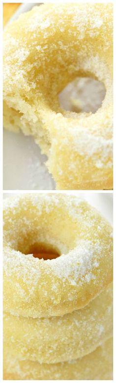 Lemon Sugar Baked Donuts ~ These easy-to-make, bursting-with-lemon treats are perfect for breakfast, brunch, or dessert! Lemon Desserts, Lemon Recipes, Donut Recipes, Just Desserts, Sweet Recipes, Delicious Desserts, Dessert Recipes, Cooking Recipes, Yummy Food