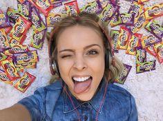 """12.3k Likes, 76 Comments - Tata Estaniecki (@tata) on Instagram: """"euzinha de buenas escutando um som e cheia de novos sabores incríveis mixxxxturados na cabeça…"""""""