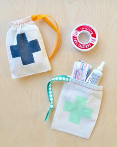 You can never be too safe! Create a #DIY mini first aid kit from @modpodgerocks. #HPCreate