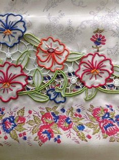 Cutwork Embroidery, Embroidery Suits, Embroidery Patterns, Machine Embroidery, Designer Punjabi Suits, Indian Designer Outfits, Dress Design Sketches, Boutique Suits, Cut Work