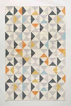 Flachgewebe-Teppich mit symmetrischem Muster
