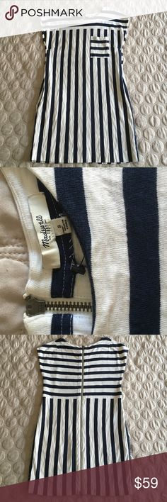 NWOT madewell navy white stripe dress NWOT madewell navy white stripe dress with sexy zipper at back. Size small. Pockets are hidden along sides of waist, front pocket. Crew neckline and comfortable short sleeves. Flat measurements are approx. 18 inches arm pit to arm pit, 33 inches total length. Cotton provides stretch & is very comfortable. Retail Tags fell off :( 🌸🌸25% off bundles of 3+ items🌸🌸 I accept 99% of offers! Don't miss out 🌸🌸 Madewell Dresses Mini