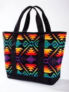 COYOTE BUTTE LARGE CANVAS TOTE 98.00 Pendleton WM