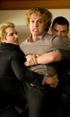 Twilight: New Moon - Dr. Carlisle Cullen, Jasper Hale & Emmet Cullen (Peter Facinelli, Jackson Rathbone and Kellan Lutz)