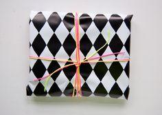 Minimega giftwrapping
