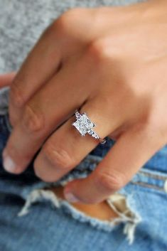 vintage princess cut rings which look special Princess Wedding Rings, Wedding Rings Simple, Wedding Rings Solitaire, Beautiful Wedding Rings, Princess Cut Rings, Princess Cut Engagement Rings, Beautiful Engagement Rings, Wedding Rings Vintage, Engagement Ring Cuts