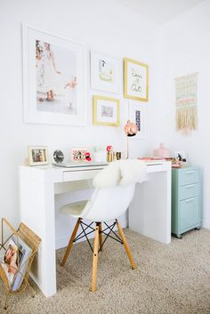 Consistent Pattern And Colour Scheme In Office/landing Combo - Via Glitter Guide