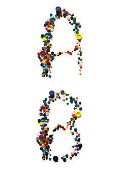 Alfabeto realizado com botões | A B