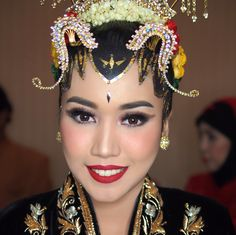 Javanese wedding. #glowing #colorful