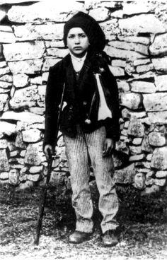 Beato Francisco Marto (Aljustrel, 11 de junio de 1908-ibídem, 4 de abril de 1919). Festividad 4 de abril.