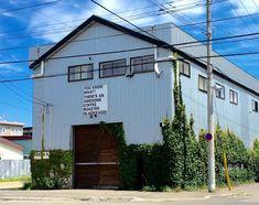 Co Trip, Garage Design, Cafe Restaurant, Interior Architecture, Facade, Surfing, Scenery, Garage Doors, Home And Garden
