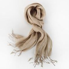 You'll look chic in this eco-friendly style. Warm, soft and breathable, this scarf is woven from naturally sustainable hemp.