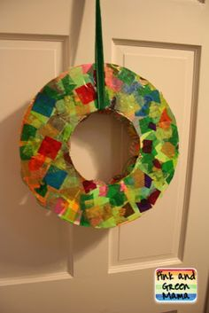 * Christmas Craft: Easy DIY Candy Advent Wreath With Recycled Materials