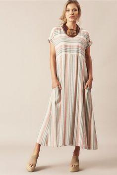 Vestido de Linho Midi com Mangas Dobradas