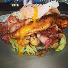 ***Chicken Burger*** Marinate chicken breast with spices of your choice. I used Harissa and Flavorgod seasoning. I then sauté mushrooms with garlic, salt n chilli. Serve on a bed of iceberg lettuce. Then add mushrooms, bacon, chicken and fried egg.