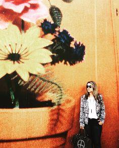 "52 mentions J'aime, 3 commentaires - 🎀Blogueira🎀 (@lena__gomes) sur Instagram: ""#bomdia #bonjour #goodlife #goodday #goodvibes #goodmorning #fashiongirl #fashion #liker #like4like…"" Like4like, Polaroid Film, Painting, Instagram, Art, Bonjour, Painting Art, Paintings, Kunst"