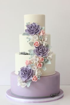 Lavender wedding cake with Handmade gumpaste flowers Purple Cakes, Purple Wedding Cakes, Elegant Wedding Cakes, Beautiful Wedding Cakes, Gorgeous Cakes, Wedding Cake Designs, Pretty Cakes, Wedding Cake Toppers, Trendy Wedding