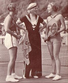 Eileen Percy, Marion Davies, Dorothy Mackaill on the tennis court at Marion's Santa Monica Beach House .again, loving the sailor outfit~ Hollywood Stars, Classic Hollywood, Old Hollywood, Hollywood Actresses, Madame Gres, Man Ray, 1930s Fashion, Vintage Fashion, Vintage Beauty