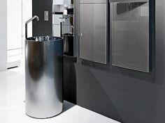 Freestanding stainless steel washbasin TOWER 85 by MAKRO