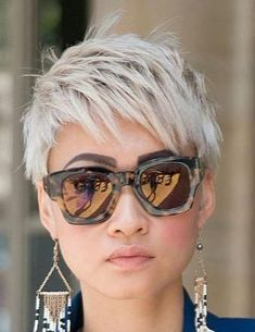 Icy Short Pixie Cut - 60 Cute Short Pixie Haircuts – Femininity and Practicality - The Trending Hairstyle Funky Short Hair, Short Grey Hair, Short Hair Cuts For Women, Short Hairstyles For Women, Curly Short, Very Short Hair, Choppy Hair, Short Pixie Haircuts, Pixie Hairstyles