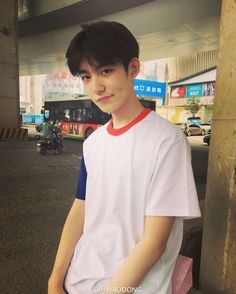 Image about fashion in Ulzzang Boys by / / Alex Korean Boys Ulzzang, Ulzzang Couple, Korean Men, Ulzzang Girl, Korean Girl, Cute Asian Guys, Cute Korean Boys, Asian Boys, Cute Boys
