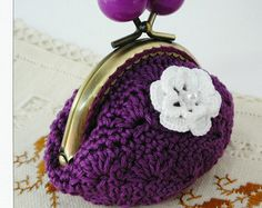Model nº 11    ♥♥♥♥♥♥♥♥♥♥♥♥♥♥♥♥♥♥♥♥♥♥  PATTERN crochet coin purse.  ♥♥♥♥♥♥♥♥♥♥♥♥♥♥♥♥♥♥♥♥♥♥    This is a PDF PATTERN and instructions for making your crochet coin purse.    The dimensions of the finished product is approximately 9,5cmx10cm.    This pattern is medium, is available in English and Spanish and includes:  - Photographs of finished product.  - Pattern  - Stitch Legend - Instructions for rows  - Tips    The stitch used to have to know are:  - Chain  - Adjustable ring  - Half double…