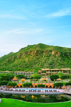 Casita Lawn. The Phoenician, a Luxury Collection Resort, Scottsdale.