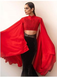 """""""Wings are meant to fly"""" Miss World 2017 Manushi Chhillar Bollywood Photos, Bollywood Fashion, Bollywood Actress, Bollywood Style, Beauty Quiz, Show Beauty, Celebrity Fashion Looks, Celebrity Look, Flawless Beauty"""