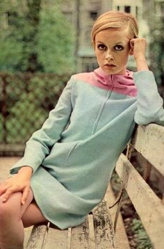 Gorgeous Mint Green Dress with a touch of Pink  #Twiggy