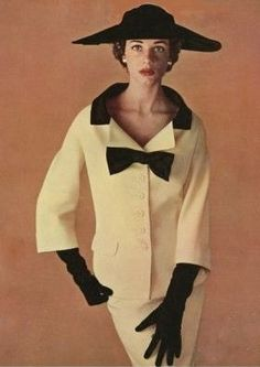 Jacques Fath outfit, photographed by Philippe Pottier for L'Officiel, March 1953.