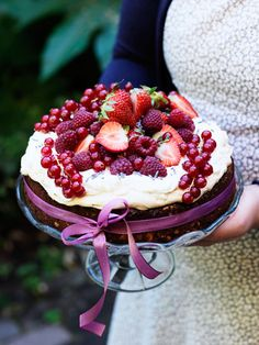 festive cake: photo by carolina romare