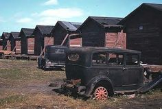 OLD CARS - OLD BUILDINGS