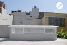 Instalación de techo para claraboya con policarbonato. Casas Country, Green Roof System, Roof Light, Luz Natural, Skylight, Rooftop, Ideas Para, Interior Architecture, Decoration