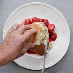 Pancake Souffle #souffle #pancake #pancakes #pancakesouffle #kaiserschmarren #wolfgang #wolfgangpuck #strawberrycompote #foodielicious #foodieliciousblog #foodrecipe #recipe #chefboyarme #wannabechef #breakfast #breakfasttime