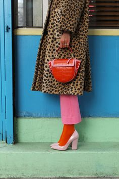 A leopard coat and a croc bag // Click through for full outfit details and to see all of my newest J.Crew arrivals picks on Atlantic-Pacific Fashion Sites, Fashion Outfits, Fashion Trends, Stylish Outfits, Sergio Rossi, Orange Mode, Leopard Outfits, Gamine Style, Leopard Coat