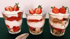Triple Berry Cheesecake in a Jar - Eat, Dessert - Cooking Cheesecake In A Jar, Cheesecake Recipes, Yummy Pancake Recipe, Yummy Food, Easy Strawberry Desserts, Danish Food, Köstliche Desserts, Biscuits, Food And Drink