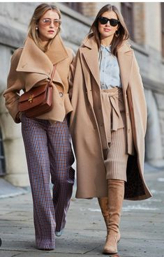 camel perfection, camel coat in a classic sty;e, camel short jacket with big collar, wide leg pants and short jacket in camel tone, Look Fashion, Trendy Fashion, Womens Fashion, Fashion Trends, Fashion Mode, Fall Winter Outfits, Autumn Winter Fashion, Mode Outfits, Fashion Outfits