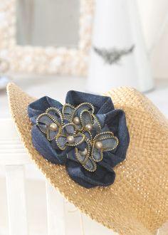 Recycled zipper and denim flower #free #diy #pattern #tutorial