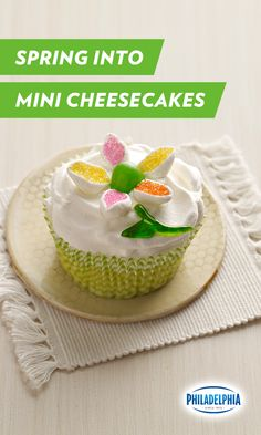 Spring is in bloom. And so are these scrumptious mini cheesecakes with sugared marshmallows and jellybeans. These easy-to-make desserts starring Philadelphia Cream Cheese will make a sweet bouquet for any occasion.