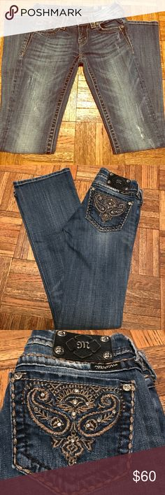 "Miss Me Distressed Boot Cut Jeans Size 26 Miss Me boot cut jeans with Bling on the back pockets. Size 26.. Inseam approximately 30"" Miss Me Jeans Boot Cut"