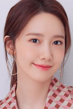 Yoona Snsd, Sooyoung, Kpop Girl Groups, Kpop Girls, Job Interview Makeup, Celebrity Pictures, Celebrity Style, Im Yoon Ah, Pretty Korean Girls