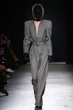 Gareth Pugh Fall 2018 Ready-to-Wear Collection - Vogue