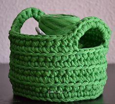 Crochet Basket pattern using super bulky weight yarn tshirt yarn. Use t-shirt yarn from OfUsualtees.etsy.com