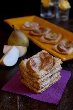 Dolcetti con pasta sfoglia, pere e cannella - ricetta semplice...vi ricordare le Sfogliatine alle mele? bhe questi sono i suoi fratellini.