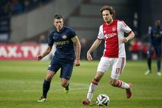 Na de eerste twee gewonnen competitiewedstrijden tegen Vitesse (4-1) en AZ (1-3) moet Ajax zich morgen opnieuw van zijn beste kant laten zien om de drie punten binnen te slepen.